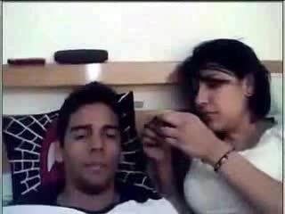 Super Hot Desi Looking Girl Enjoying With Her Boy Friend