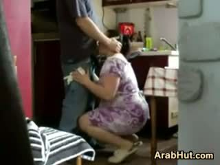 Thick amatir arab maly gets fucked