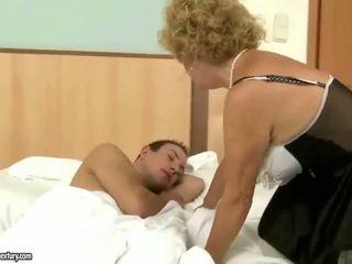 Grootvader fucks grootmoeder hard openlucht