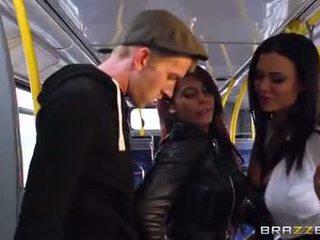 Автобус статтєві зв'язки для сексуальна дівчинки madison ivy і ja