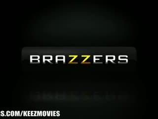 Brazzers - bella reese - ik wnat hen bigger!