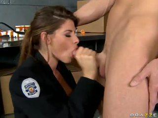 Shagging ο πιο hot μπάτσος πάντα madelyn marie σε αστυνομία σταθμός