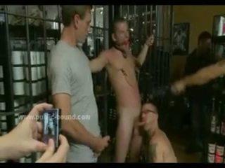 Homo bende gangbang seks met groep van hunks