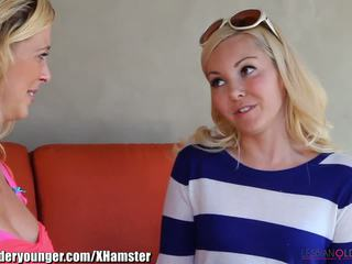 Lesbianolderyounger aaliyah mīlestība eating mammīte ārā