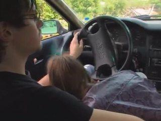 18yo lett flicka körd på den bil