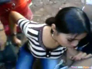 India maly at a sideroad pesta seks
