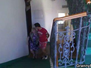 Granny on banged poolt an noor pickuper