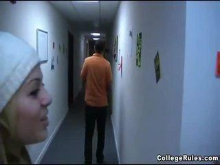 Ragazze peg persons video