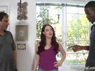 Jessica shows उसकी हज़्बेंड एक असली mans कॉक