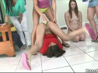 The sisters padarīt thses two meitenes hazed