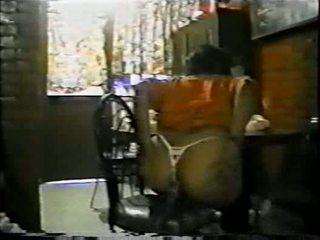 Mexicana asiendo אנאלי con un palo de escoba