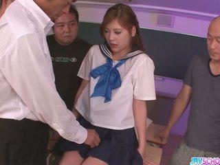 เด็กนักเรียนหญิง yura kasumi เป็น a ร้อน ญี่ปุ่น สำเร็จความใคร่ หญิง
