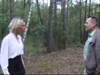 Blondie feleség szar -ban erdő