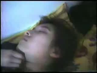 Duke fjetur moshë e pjekur grua fingered video