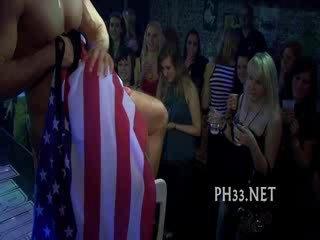 Cheeks in club geneukt striptease dancer