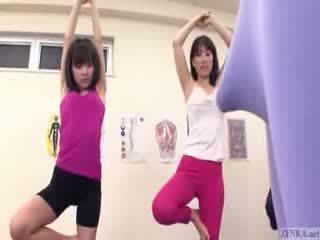 اليابانية trainer gets erection في ال الجمنازيوم