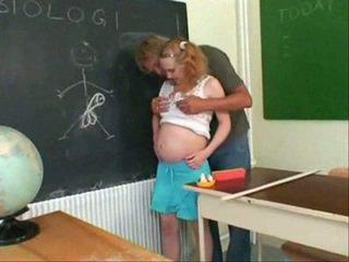 Grūtniece Pusaudze