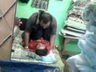 Vyzreté nadržané pakistánske pár enjoying krátky muslim sex session
