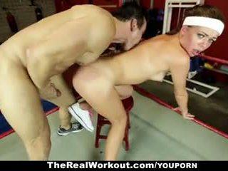 Therealworkout - 뿔의 브루 넷의 사람 엿 에 그만큼 체육관