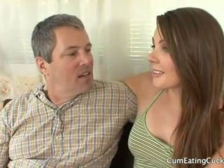 Cali gets viņai hubby līdz skaties a reāls dzimumloceklis jāšanās viņai