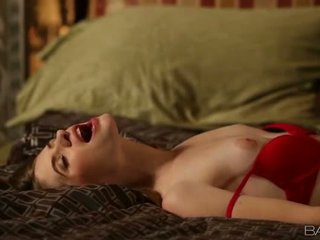 अधिक श्यामला, कट्टर सेक्स, मुख्यालय ओरल सेक्स गाली दिया