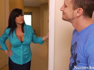 Bigtitted starý lisa ann has got laid