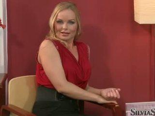 Carmen croft takes ji raiment off v thowdys intervju