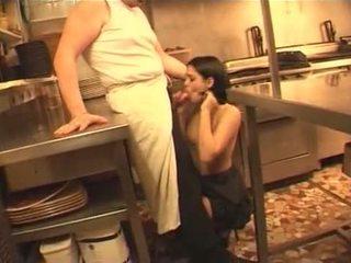 צרפתית, עוזרת, מטבח