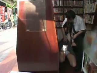 Hanblivé školáčka nahmatané a used v a bookstore