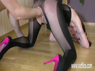 Fisting son loose ado twat till elle squirts