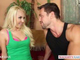 Sexy blondine aaliyah liefde zuigen en neuken een groot piemel