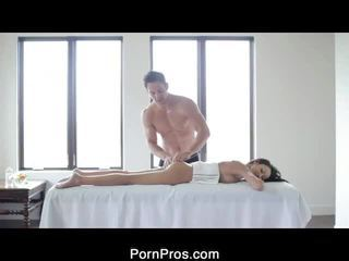 Sexy Breanne Oily Massage