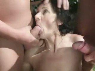 Pissing fetish granny amateur loves peeing orgy