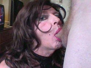 Cd deepthroating пеніс і getting кінчання на обличчя