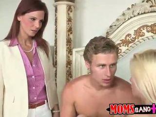 Syren De Mer and Jessie Volt anal 3som