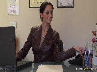 Besar titted secretaries pics