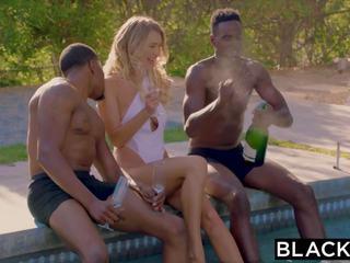 চিন্তা করেনা, blondes, threesomes