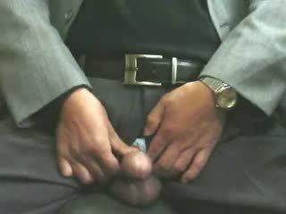 Male masturbation in kantoor