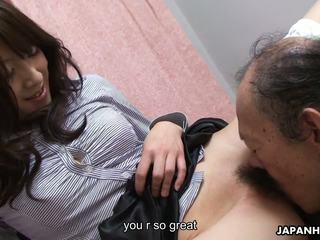 Starý člověk je eating že mokrý chlupatý dospívající kočička nahoru: vysoká rozlišením porno 41
