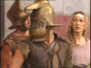 Rita faltoyano med en gladiator pt2