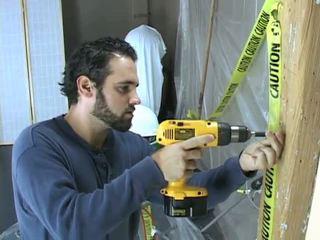 Construction arbeiter takes ein pause bis beat ab