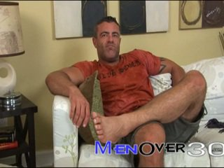 Muscled Daddydy Trace Michaels