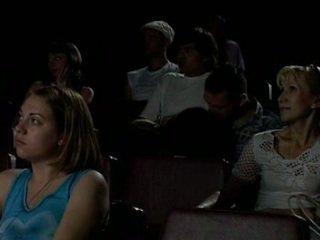 In de bioscoop