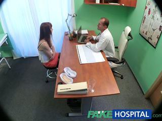 Fakehospital dokter cures sexy patiënt met een zwaar dose van seks