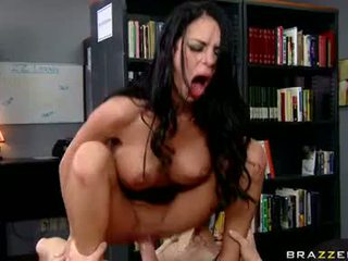 Sexy Sexy AngeLina Valentine Receives A Pop Jizzload On This Guyr Fresh Mouth