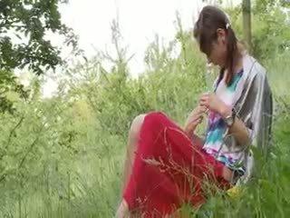 Letoneze natashas prapa në natyrë