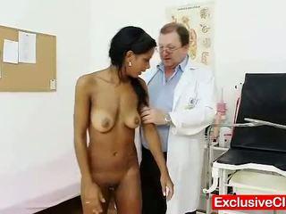 Vreemd gyno dokter checks heet latina poesje