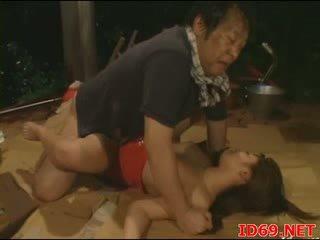 Jap av babe gets pulled uit voor seks