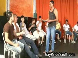Indoor homo grupa sekss jāšanās fest