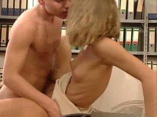 גרמני מאוד חם משרד סקס. יפה hottie